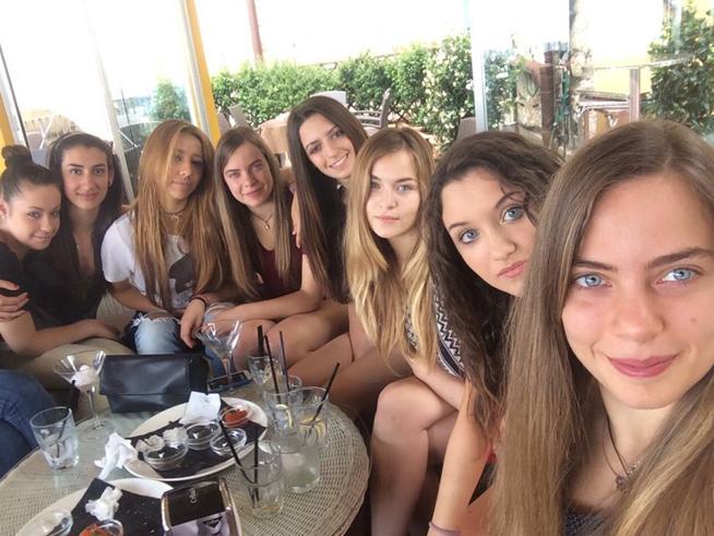 Le ragazze americane intervistano le italiane E scoprono che sulle madri hanno idee diverse